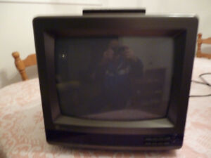 13 Inch GE TV For Sale