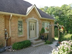 Furnished 2 bedroom coach house at Bayview and Steeles