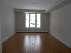 Located close to Trintiy Shopping Area ( Bachelor )