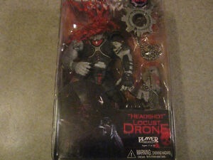 GEARS OF WAR Headshot Locust Drone Action Figure with COG Tags Edmonton Edmonton Area image 2