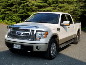 2010 Ford F-150 Lariat SuperCrew  4 x 4 Truck
