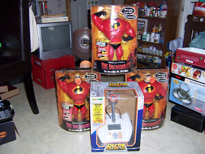 FOR SALE DISNEY  THE INCREDIBLES & RECON YOUR SLAVE,