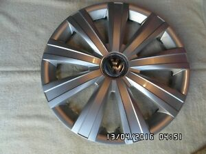 VW 15 in. almost NEW flaless wheel cover
