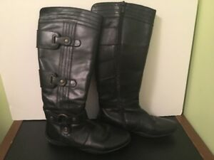 GEOX Women's Size 7 1/2 Black Leather Boot for Sale!