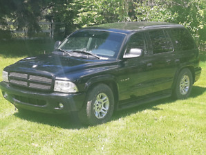 Dodge durango rt awd ( blacked out) like a shadow in the night