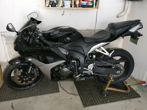 2007 Honda CBR600RR - Black - Full Hindle Exhaust
