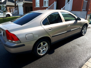 Volvo S60 AWD fully loaded 2003