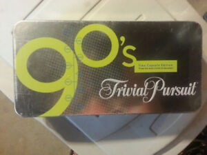 THE  90'S  TRIVIAL PURSUIT.....SEALED