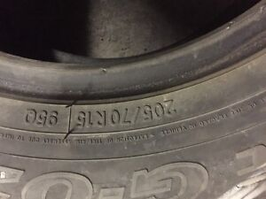 2 Toyo winter tires in Avery good condition size 15/70/205 West Island Greater Montréal image 6