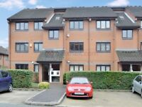 1 bedroom flat in Brymay Close, Bow E3
