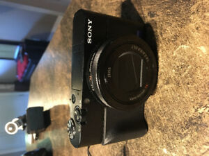 Sony RX100V - WITH EXTRAS