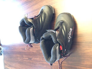 Kids Cross Country Ski Boots Size 27