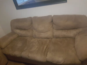 BET OFFER FOR COUCHES!!! Windsor Region Ontario image 2