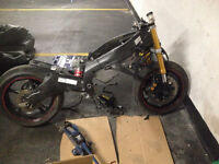 2007 Yamaha R6  PART OUT