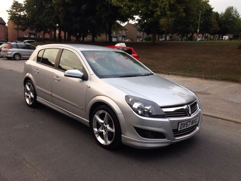 vauxhall astra xpack 57 plate silver in leeds. Black Bedroom Furniture Sets. Home Design Ideas