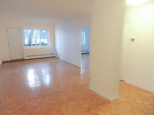 Beautiful, renovated 3.5 in prime Outremont near UdeM!