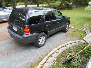 ----------2006 Ford Escape  SUV--4X4-------------------------