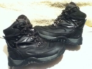 Women's Coleman Winter Boots Size 8 London Ontario image 1