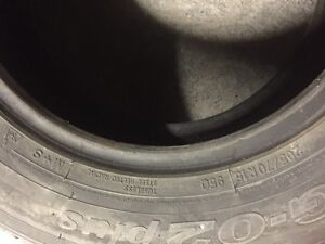 2 Toyo winter tires in Avery good condition size 15/70/205 West Island Greater Montréal image 7