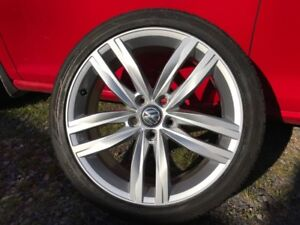 "18"" Golf  rims & tires"