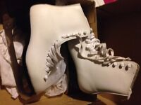 CCM Girls size 6 skates. New