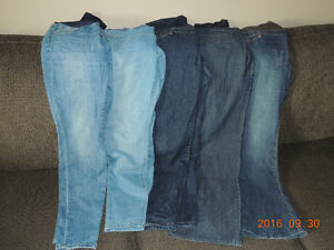 Maternity jeans size large
