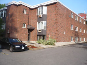 1 Bedroom unit $ 895.00 - Utilities Included!