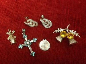 SILVER JEWELLERY LOT        CROSS AND ONE CHAIN ARE SOLD