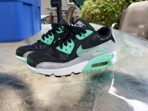 Soulier fille nike air max 4