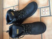 Dewalt Men's Safety Boots Size 10 WORN ONCE!!