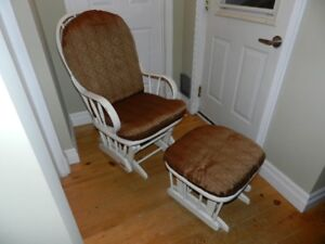 Moving out sale – Rocking chair and foot rest