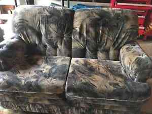 Free Couch Set North Shore Greater Vancouver Area image 1