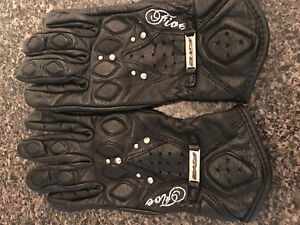 Women's black Five leather riding gloves - size Small