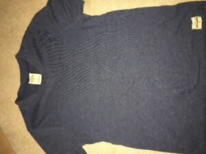 Abercrombie youth vneck large t shirt