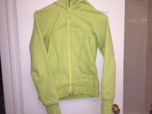 Lime Yellow Lululemon scuba hoodie size 8-10 great condition