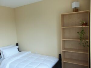 Clean Bright Furnished Room Dartmouth Near NSCC Akerley