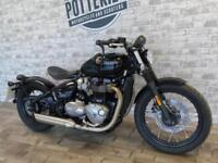 TRIUMPH BOBBER 2017 *ONE PRIVATE OWNER FULL TRIUMPH HISTORY*