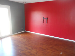 Investment or live in, 2 apt, 2 story, close to mun St. John's Newfoundland image 2