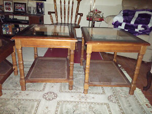 Octogon coffee table with 2 end tables glass tops excellent cond Windsor Region Ontario image 2