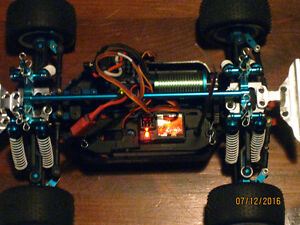 Duratrax Mini Quake RC Truck