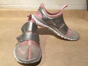 Women's Nike Free 4.0 Running Shoes Size 10 London Ontario image 5