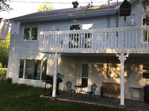 Maison semi-détaché bord de rivière Outardes