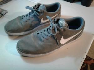 Like New Nike SB Sneakers Size 11
