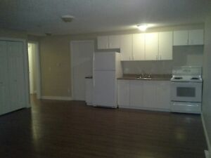 MOVE IN NOW INTO THIS CENTRALLY LOCATED 2 BDRM SUITE