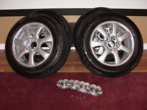 4 ALLOY RIMS WITH WINTER TIRES