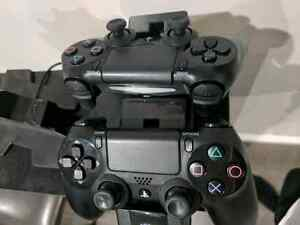 Playstation 4 500 GB with 2 controllers  London Ontario image 2