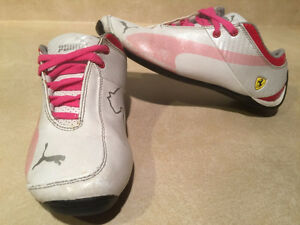 1febd8a6b2ea Girls Puma Ferrari Running Shoes Size 2