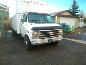 1991 GMC CUBE VAN 14FOOT ENG 454 RUNS GREAT $1400.. 403-797-7597