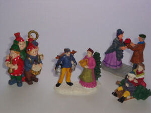 Lot 4 - Vintage Accessory Pieces for Christmas Village