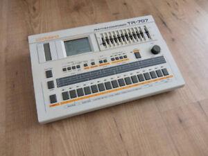 Roland TR 707 Rhythm drum machine composer with power supply